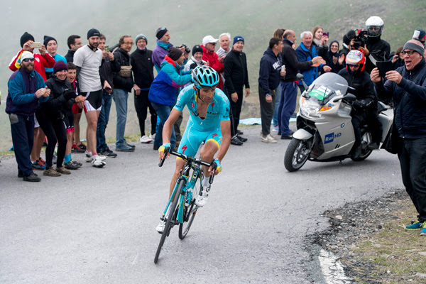 1493732572_mortirolo-will-be-the-scarponi-climb